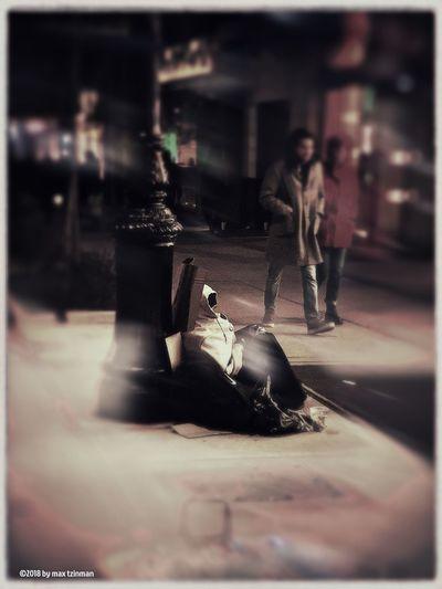 Night Beggar Selective Focus Incidental People Table City Street