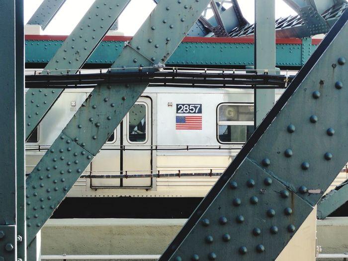 Metro Flag New