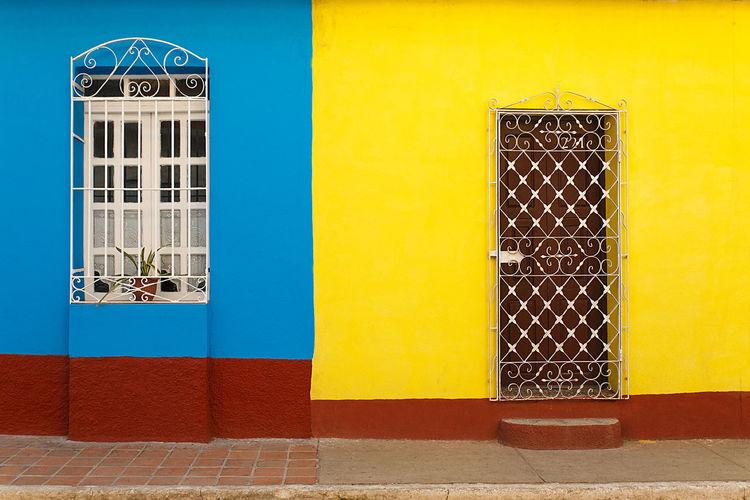 yellow wall ,
