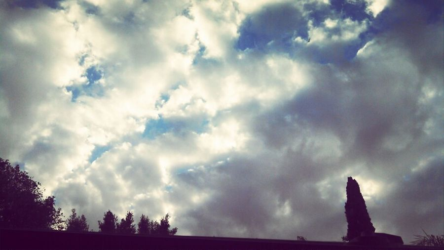 what a beauty^.<3 Sky & Clouds