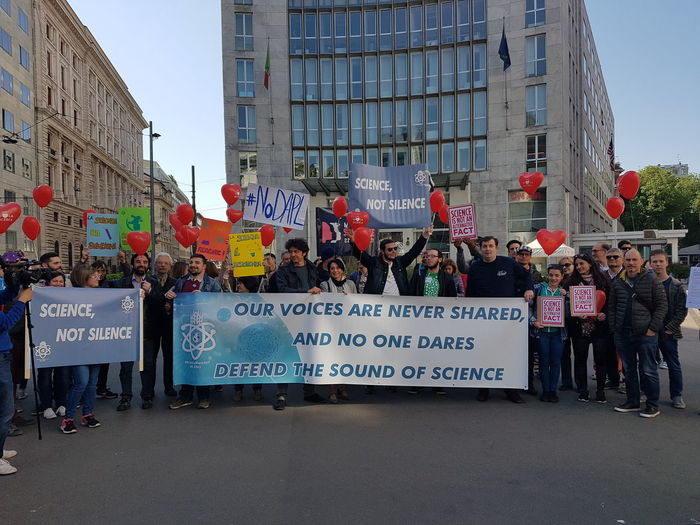 March For Science milan Politics Science Not Silence Democrats Abroad ScienceMarchIT