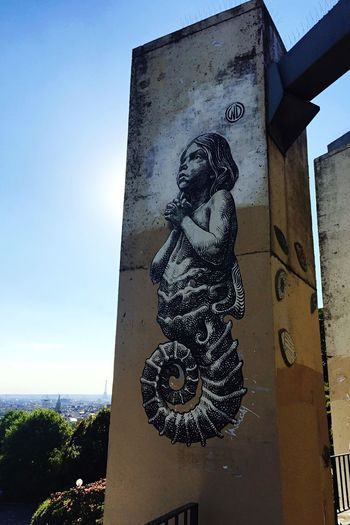 #hippocange By @wd_wilddrawing #wd #wilddrawing #seahorse #prey #eiffeltower #angel #streetart #urbanart #spray & Eiffeltower