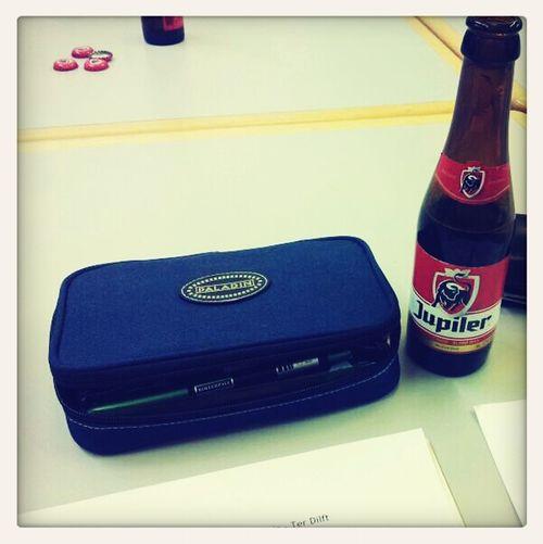 Ik had toch maar weer gelijk. Er is bier op de vergadering! (cc @lauwepilsjes)
