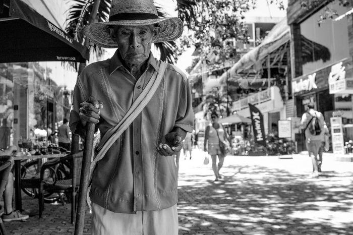 Black & White Black And White Black And White Collection  Black And White Photography Black And White Portrait Blackandwhite Blackandwhite Photography Blackandwhitephotography Focus On Foreground Mexico Person Playadelcarmen