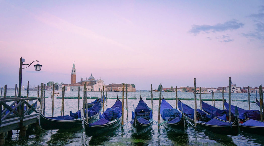 resting gondole Travel Travel Destinations Travel Photography Venice Venice, Italy Sony A6000 Sonyalpha Sunset Sunset_collection Skies And Clouds Gondola - Traditional Boat Travel Destinations No People Vacations Nautical Vessel Moored Outdoors City An Eye For Travel EyeEmNewHere