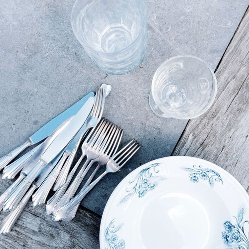 Fork Plate Drinking Glass Table High Angle View Food And Drink Drinking Water No People Silverware  Directly Above Day Drink Close-up Freshness Table Knife Water Vonoben Holz Wood Geschirr Tisch Tischvonoben Tischmitgeschirr Messer Tablesetting