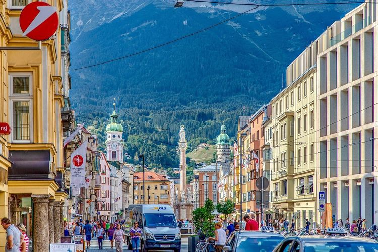 Austria 🇦🇹 Tyrol, Innsbruck✨オーストリア、街並みが美しいインスブルック Österreich Tirol Tirol Innsbruck Austria Photos Building Exterior Architecture Built Structure City Street Nature Building Decoration Travel Destinations Sky
