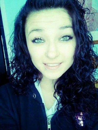 Hi! That's Me Smilee♡ StayStrong♥ Curlyhair Beautiful Enjoying Life Cute♡ Hiyaaaaa  Chillen