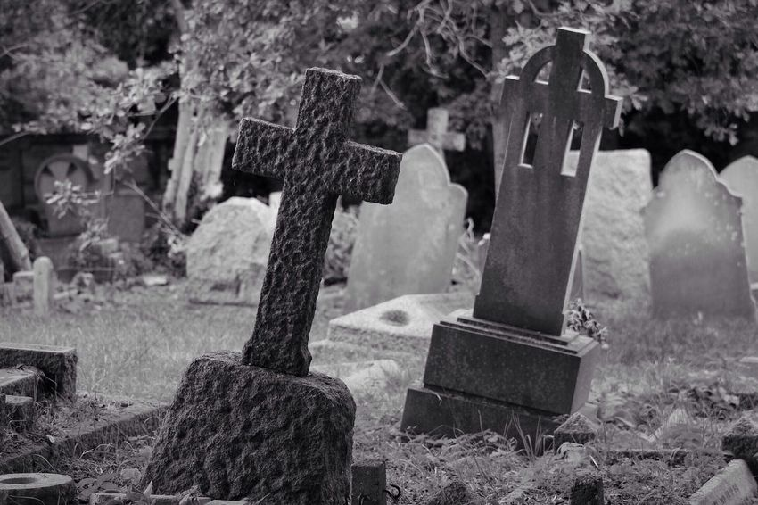 Cemetery Tombstone Memorial Graveyard Sadness The Past Canon Black & White Creative Photography Graveyard Beauty Canonphotography Burial Ground Walkthisway Cross Grave Grief No People Outdoors Spirituality Tranquility Close-up Day