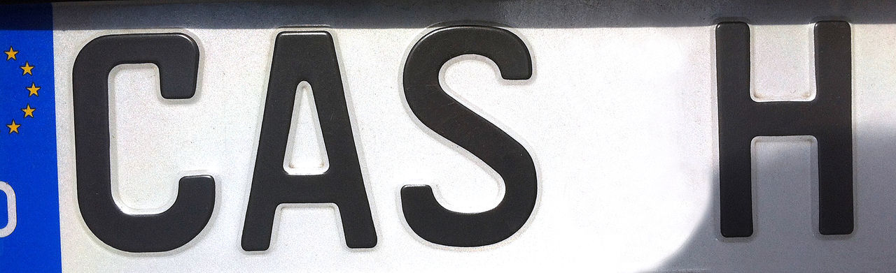 License Plate Bar Cash Close-up Communication Day En Efectivo No People Number Plate Outdoors Pronta Cassa Text