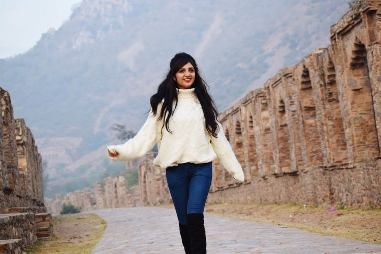 Dancing at bhangarh fort, the haunted place of india