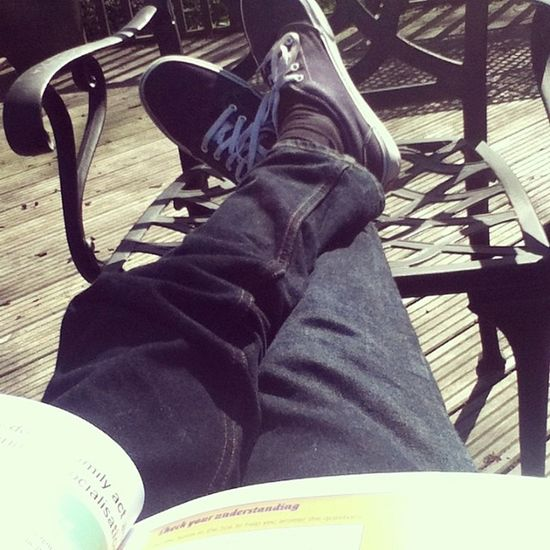 Revising out in the sun c: could be worse :p Skinnyjeans Skinny Book Revise sunny
