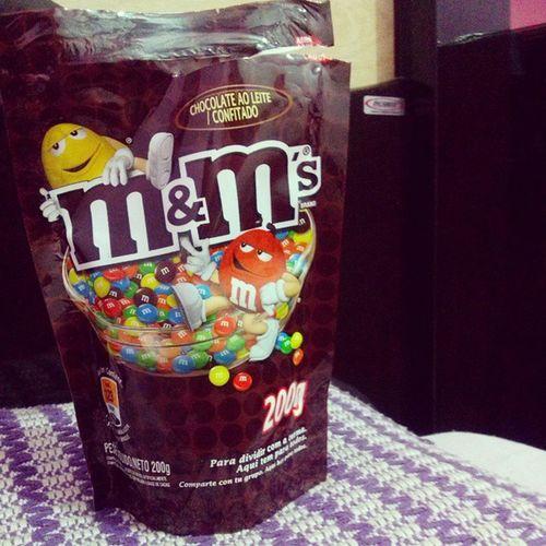 É que meu amor sabe como me agradar....Ahhhh que mimo. Euamo Queamorzinho Love M &m's chocolate vida tudopramim