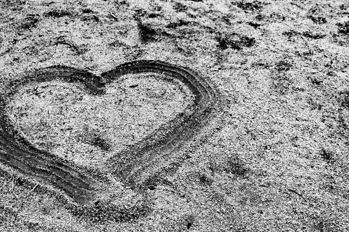 Heart in the sand. Surreptitious Night Eyemphotography Outdoors Photography Thephotographer Tucson Arizona  Monochrome Black & White Heart ❤ Sand