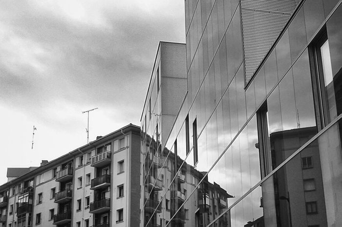 Rontegi acristalado, esencia perdida Streetphotography Urban Streetphoto_bw Barakaldo Architecture