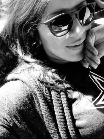 Relax mode.... Pretty Day! My Raybans Leisure Time