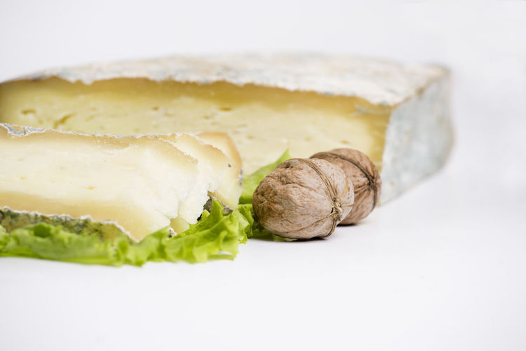 tasting cheese