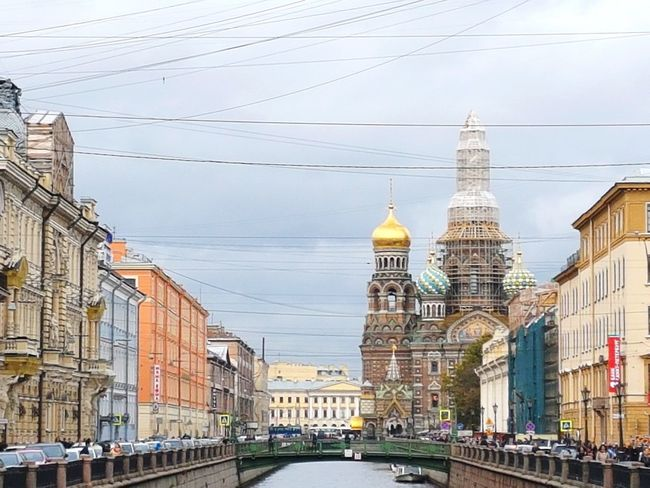 Griboedov Canal and Church of Savior on the Spilled Blood, St Petersburg Stpetersburg Saintpetersburg СанктПетербург Russian Russia Temple Oldtown Church Architecture Architektur Architettura Buildings Building Arquitetura Arquitectura Iglesia Old Buildings Golden Golden Dome Cathedral Faith Christ Canal Griboedov Channel