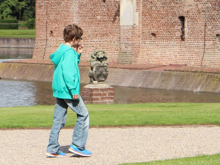 Kasteel Haarzuylens Taking Photos Children