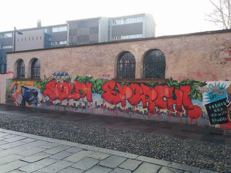 Nexus5 Nexus5photography Graffiti Graffiti Wall Graffitiwall Colori Colours Red Rosso Green Verde No Edit / No Filter No Edit/no Filter Noedit Nofilter Notneeded [ NoEditNoFilter Noedit Nofilter Noedit #nofilter #notneeded Noedit #nofilter