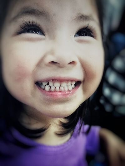 Not Mine. Joy Close-up Cute Mobile Phone Mobilephotography IPhone IPhoneography Eyeem Photography Eyeem Photography Eyeemphoto Choatephotos Choatgrapy EyeEm Gallery Eyeemphotography Eyeemphotography EyeEmBestPics EyeEm Gallery EyeEm Best Shots EyeEm Magic Bubbles... Teeth Kid Laughter Happy Special Smile Little Girl Girl Choatesphotos EyeEmNewHere