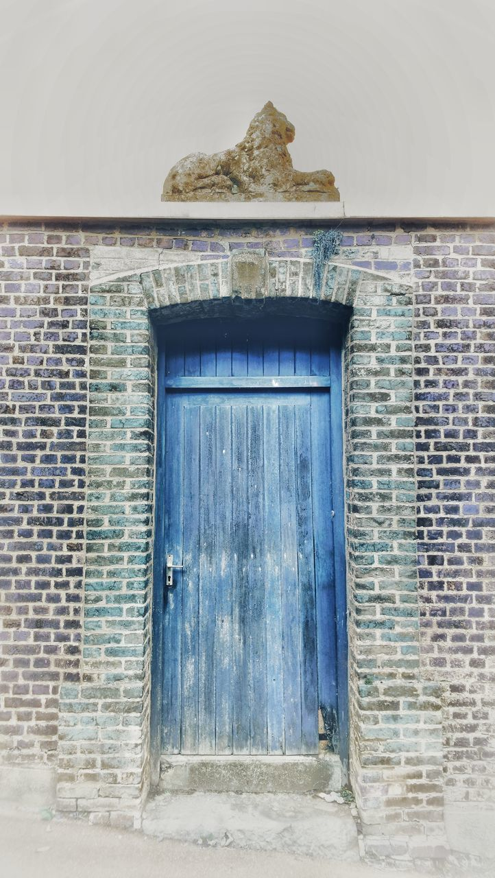architecture, built structure, building exterior, entrance, door, closed, building, brick, no people, wall, brick wall, day, house, window, wood - material, wall - building feature, old, outdoors, protection, nature