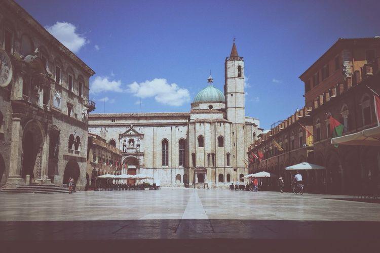 Ascoli Piceno, Piazza del Popolo Palazzodeicapitani Peoplesquare Ascolipiceno Travertine Centotorri Square Medieval Medieval Architecture Italy