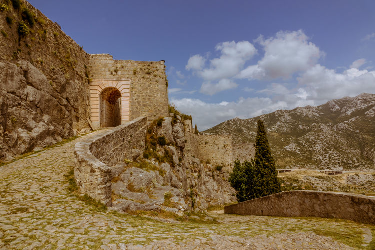 Architecture The Past History Built Structure Sky Ancient Building Exterior Fort Cloud - Sky Nature Travel Destinations Old Castle Building Old Ruin Travel No People Solid Ancient Civilization Outdoors Archaeology Stone Wall Ruined Game Of Thrones Klis Fortress