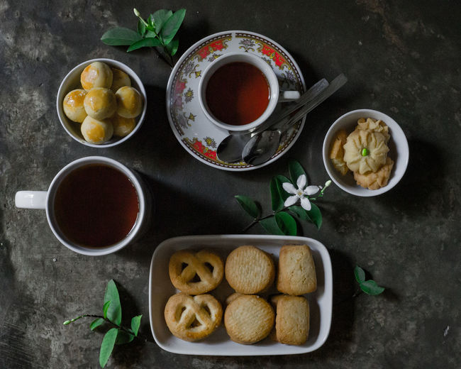 Tea with cookies Foodphotography Cookies Tea Ied Mubarak Directly Above Basil Variation Bowl Ginger Herb Prepared Food