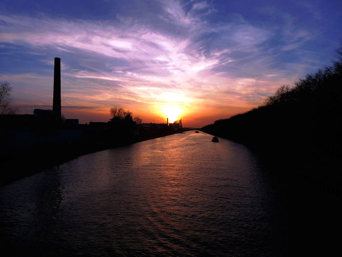 Inlandwaterwayssundown TranquilityScenics Sundown, Nightfall, Close Of Day, Twilight, Dusk, Evening Sonnenuntergang ❤ No People Inland Waterways Bicycle Trip Am Mittellandkanal In Hannover Sunset Beauty In Nature Enjoyinglife  Tranquil Scene For My Friends 😍😘🎁