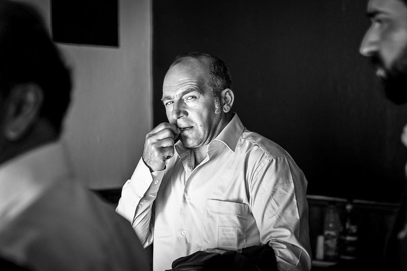 This man is a source of expressions 😆 Expression Looking At Camera Black And White Portrait Black & White One Person Adult Indoors  My Best Photo Portrait Real People Mature Men The Portraitist - 2019 EyeEm Awards
