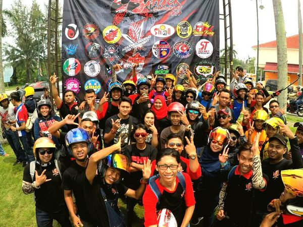 Geng apachee sereng , we ride together Togetherness Large Group Of People