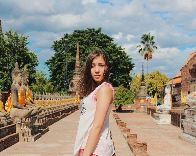 Looking back behind Ayutthaya ruins Looking Back Girl Beautiful Bangkok Thailand Ayutthaya Travel Travelphotography