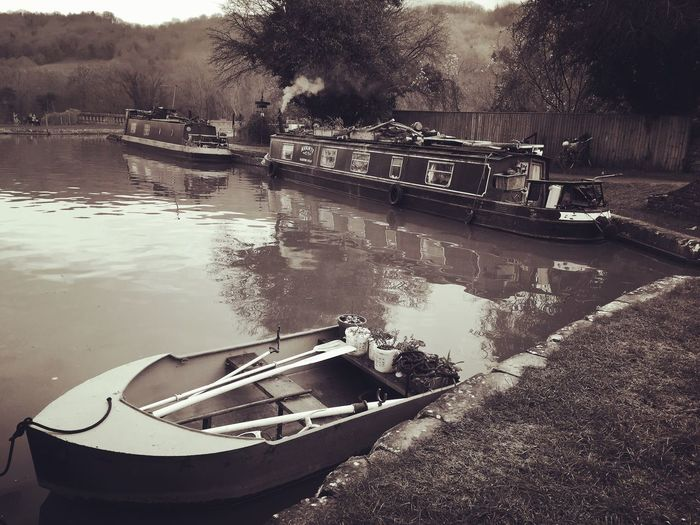 Dundas Kennet And Avon Canal Dundas Canal Water Narrowboat Narrowboats Liveaboard Boats Rowing Boat Rowingboat Wiltshire Wiltshire UK