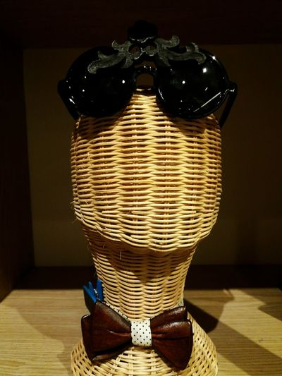 Black sun glasses on wooden head for sell Basket No People Indoors  Close-up Day Glasses HEAD Wooden Sun Glasses Black Show Design Vintage Classic Art Shopping Mall Black Glasses Show Sell