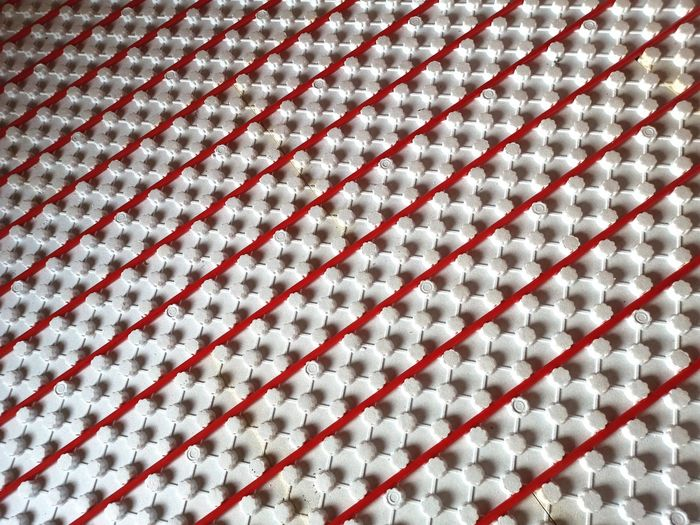 Warm floors Warm Floor Installation Material Materials Red Tube Tubes White White Background Construction Industry Warm Floor Building Home Tubes Backgrounds Full Frame Pattern White Color Close-up LINE Architectural Design Architectural Detail Seamless Pattern White Geometric Shape Fabric
