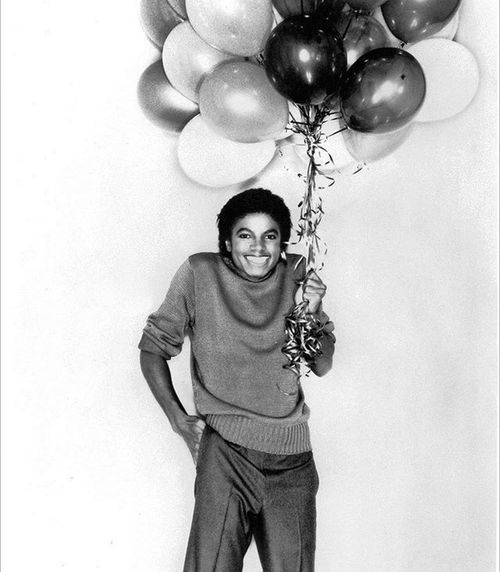 """""""If you enter this world knowing you are loved and you leave this world knowing the same, then everything that happens in between can be dealt with."""" - Michael Jackson Happy belated birthday MJ :) Thekingofpop Wordstoliveby Igottarememberthis"""