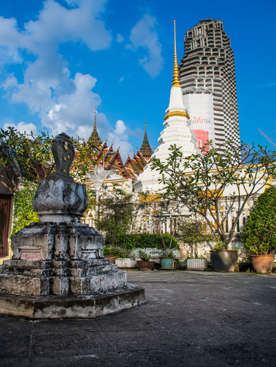 Wat Yannawa, Bangkok, Thailand Architecture Outdoors Place Of Worship Religion Sculpture Spirituality Stupa Wat Yannawa วัดยานนาวา