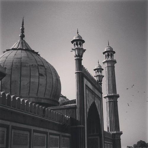 """Jama masjid "" Delhi - 110006 Karim's Al-jawahar Diamond bakery The best things of old delhi 👌 JamaMasjid Olddelhi Delhi6 Karims Biryani Tb Timerunsfast Memories"
