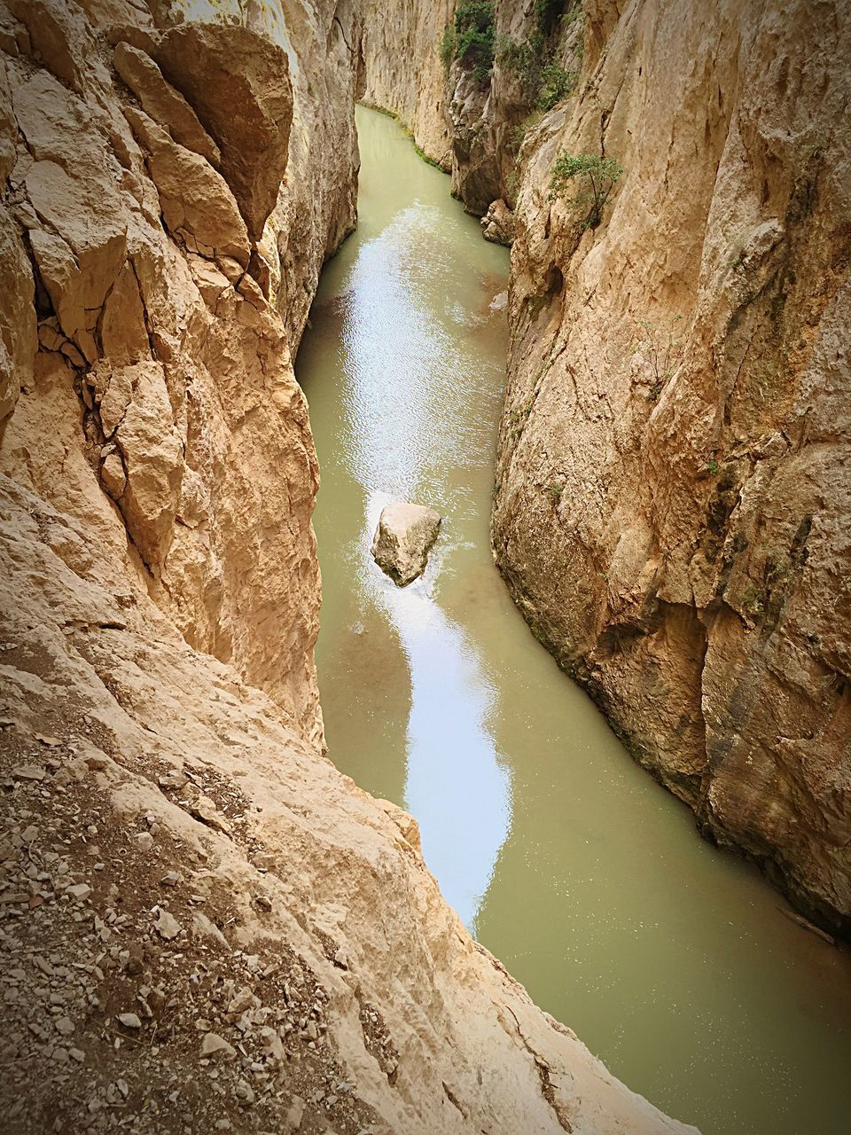 water, rock, rock - object, solid, rock formation, scenics - nature, beauty in nature, nature, no people, high angle view, day, river, non-urban scene, tranquility, tranquil scene, geology, outdoors, land, physical geography, eroded, flowing