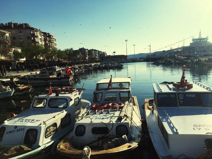 Kordon kenarındaki tekneler muhteşem görüntü 😁