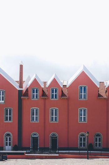 Architecture Building Building Exterior Built Structure City Copy Space Day House In A Row Nature No People Outdoors Red Residential District Roof Row House Side By Side Sky Transportation Window
