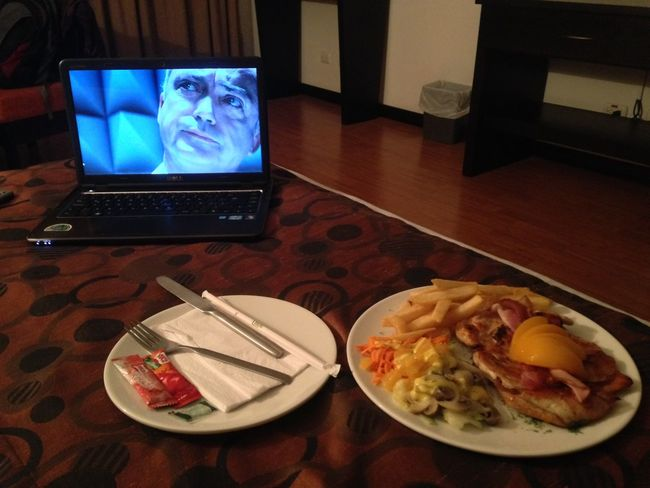Dinner Movie Time Relaxing Bedroom Frech Fries Hotel Laptop Netflix