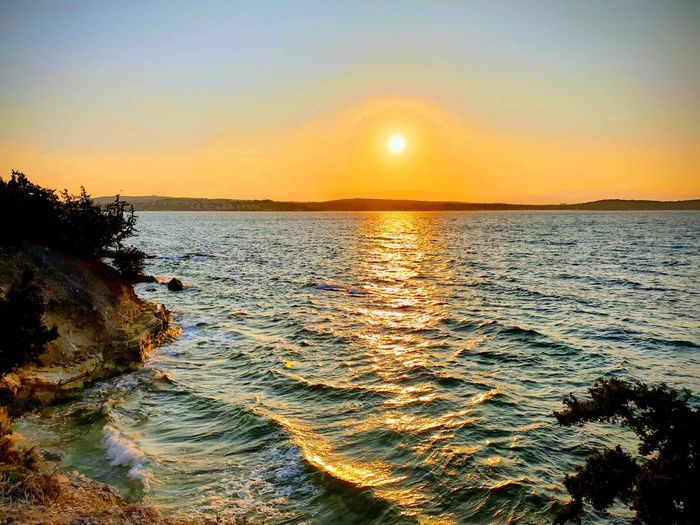 Water Sea Sunset Beach Wave Sunlight Sun Reflection Idyllic Sky Romantic Sky Seascape Water Surface Atmospheric Mood Horizon Over Water HUAWEI Photo Award: After Dark