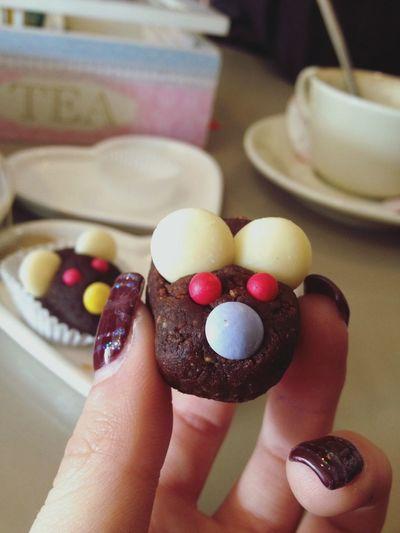 """""""Se mangiare dolci è sbagliato...beh io amo sbagliare."""" Sweet Afternoon Friends Love Her Tanta Roba"""