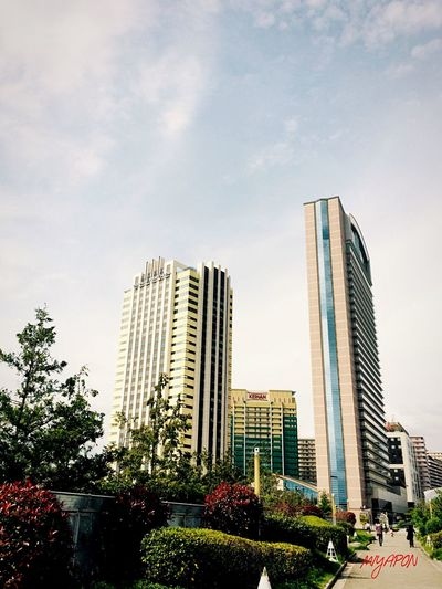 高さのある建物は迫力がありますね! Oosaka  Holiday