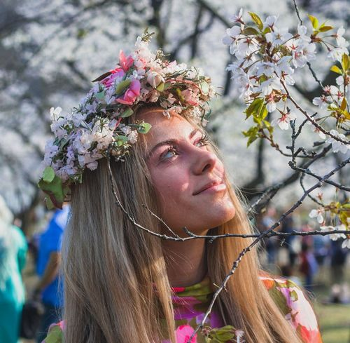 Beauty and the Spring Flowers. Cherryblossomtree Spring Portraits Whiteflowers Cherry Blossom Cherryblossom Flower Flowering Plant Headshot One Person Portrait Plant #FREIHEITBERLIN Women Beauty Hair Nature Beautiful Woman
