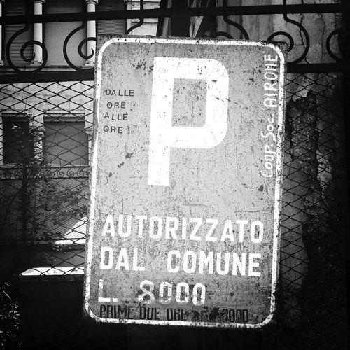 Parcheggio. 8000 lire due ore. Un furto autorizzato dal Comune. Beati gli anni 90. Vintage Italy Lire 90s
