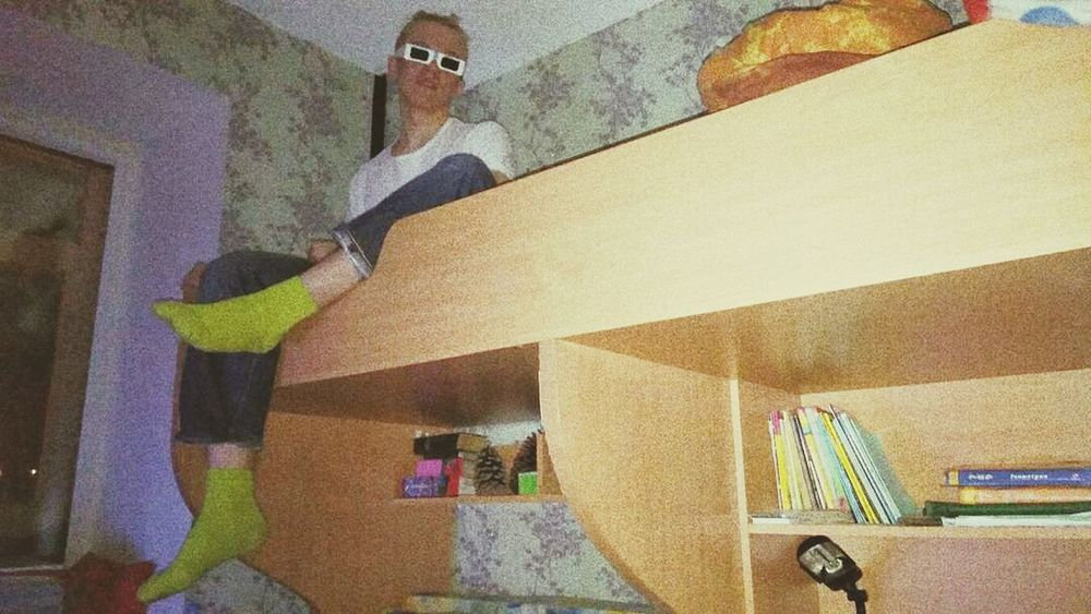 3D Chill Room Books Night Green Socks Green Socks 3D Adults Only Indoors  One Woman Only Multi Colored Only Women One Person People Standing Home Interior Adult Human Body Part Real People Architecture Human Hand Domestic Life Day First Eyeem Photo