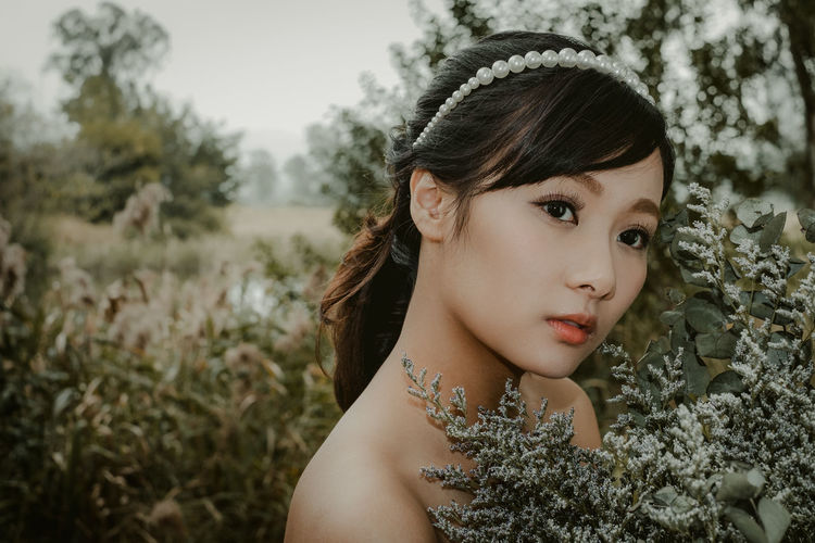 Adult Adults Only Beautiful Woman Beauty Bride Close-up Day Focus On Foreground Headshot One Person One Woman Only One Young Woman Only Only Women Outdoors People Portrait Young Adult Young Women